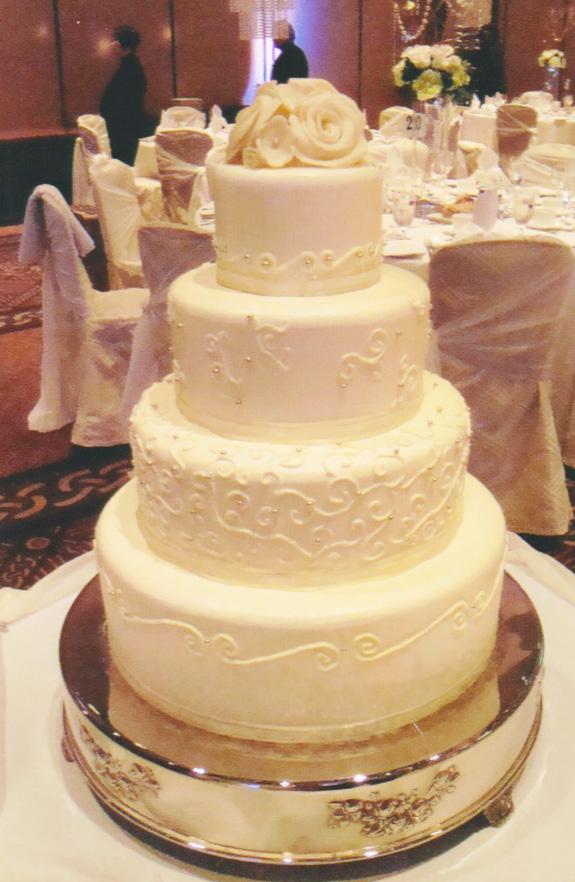 Wedding Cake | Decadent Brulee